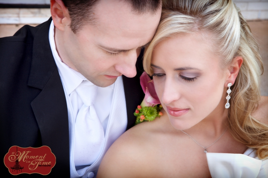 Michael Robbins and Kimberly Clevenger, also known as Kim Clevenger, also known as Kim Robbins, chose Abilene wedding photographer Jennifer Nieland of A Moment in Time Photography to take wedding photographs of their Abilene, Texas wedding at the Mansion and the Elks Center downtown Abilene.