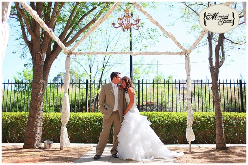 Samantha Wright, now Samantha Conger, married Austin Conger at the T&P Depot in downtown Abilene with west Texas wedding photographer Jennifer Nieland of A Moment in Time Photography taking their vintage rustic romantic wedding photos.
