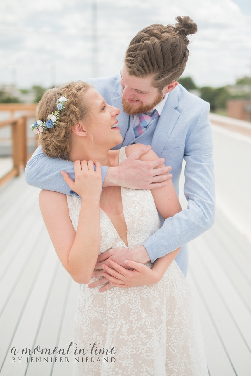 Ashlynn Brooks, now Ashlynn Stewart, and Nate Stewart, or Nathan Stewart of Abilene, Texas, chose Abilene wedding planner Jennifer Nieland, and Abilene wedding photographer Jennifer Nieland to take their Abilene wedding photos at 201 Mesquite. 201 Mesquite is a new venue in Abilene, Texas. Parents of the bride and groom are Tye Brooks, A